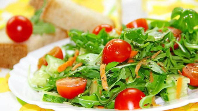 10 Amazing Lettuce Salad Recipes